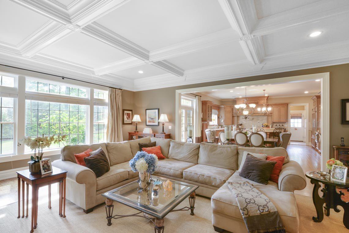 7 – 50 Hilltop Road – Family Room