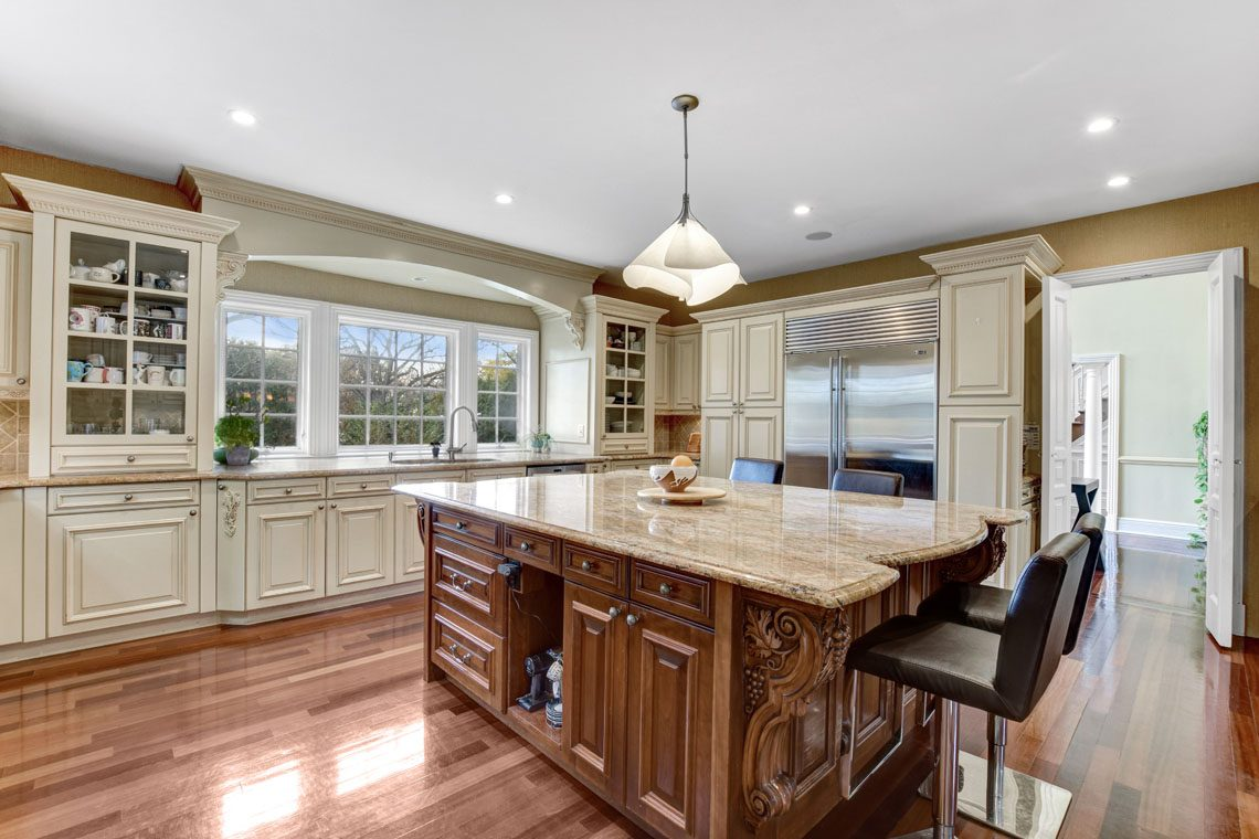 9 – 275 Hobart Avenue – Kitchen