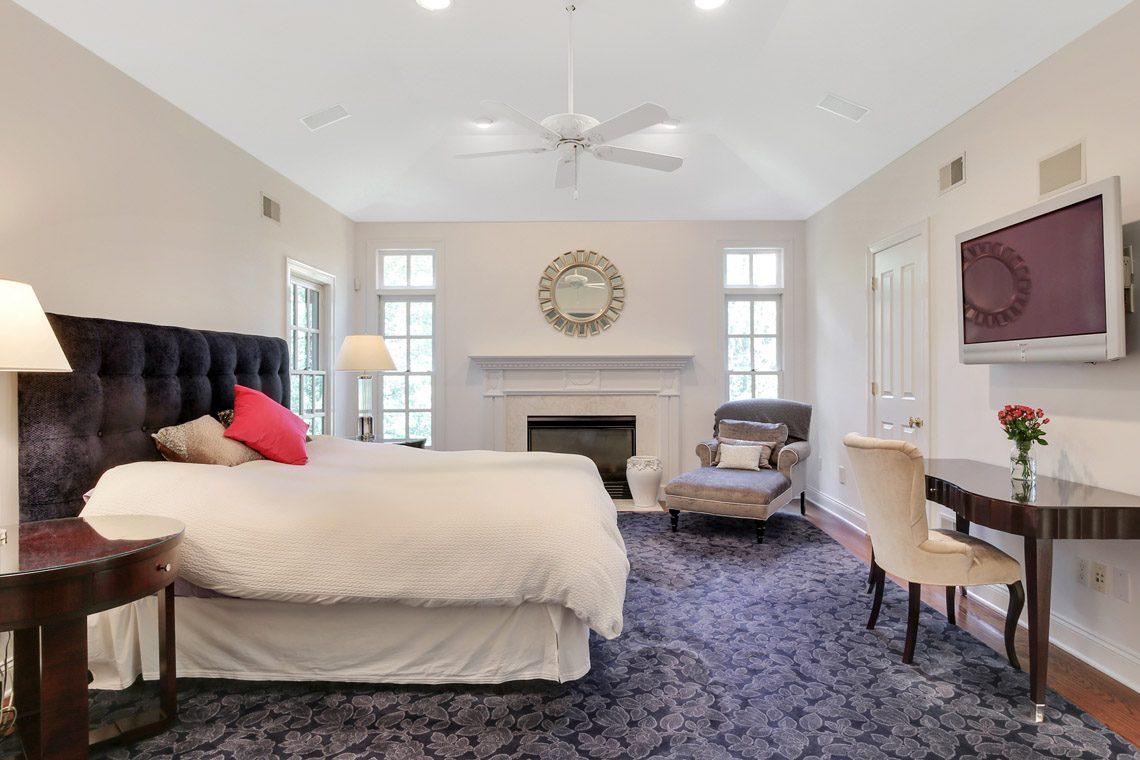 15 – 130 Fairfield Drive – Master Bedroom