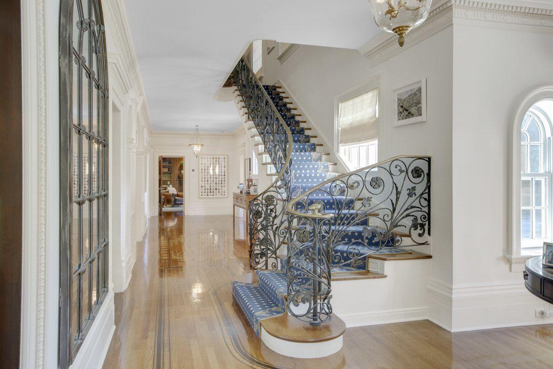 16 – 2 Jefferson Avenue – Elegant Staircase
