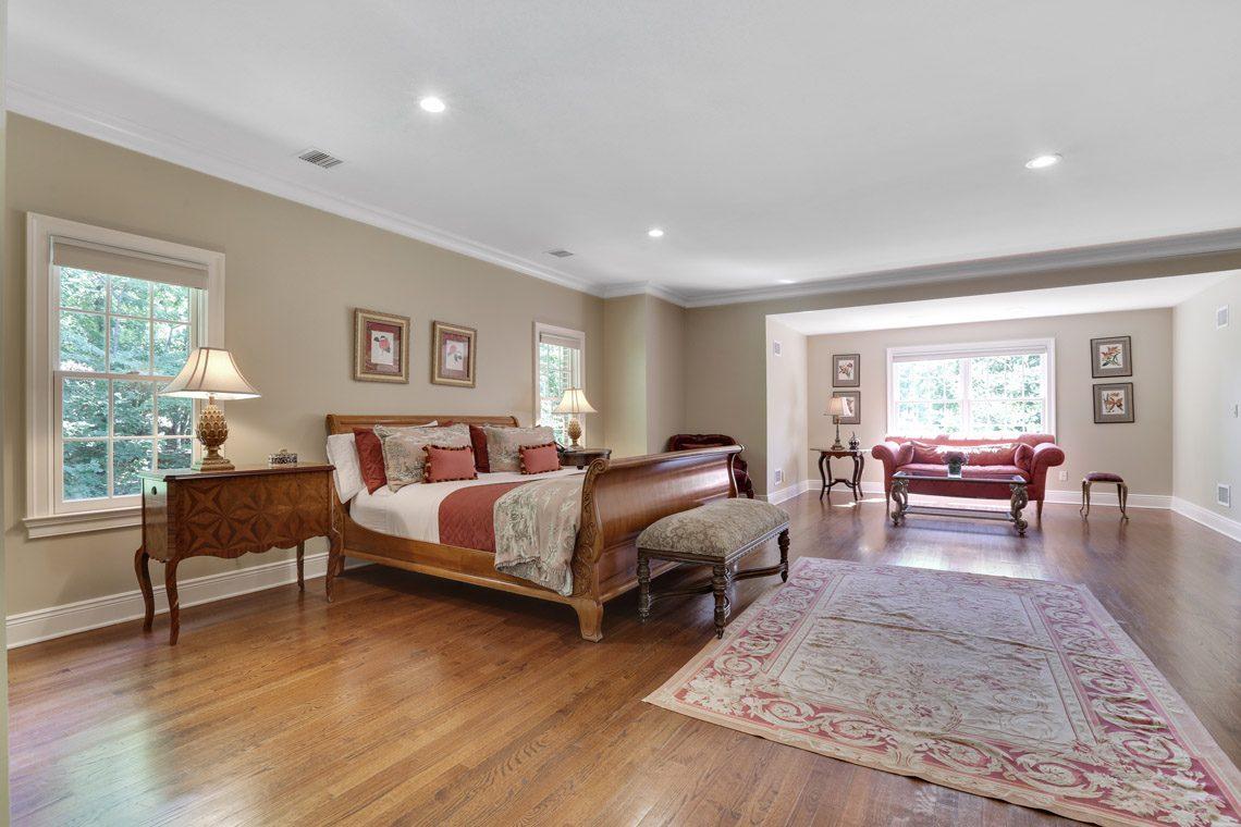 16 – 9 Troy Lane – Master Bedroom
