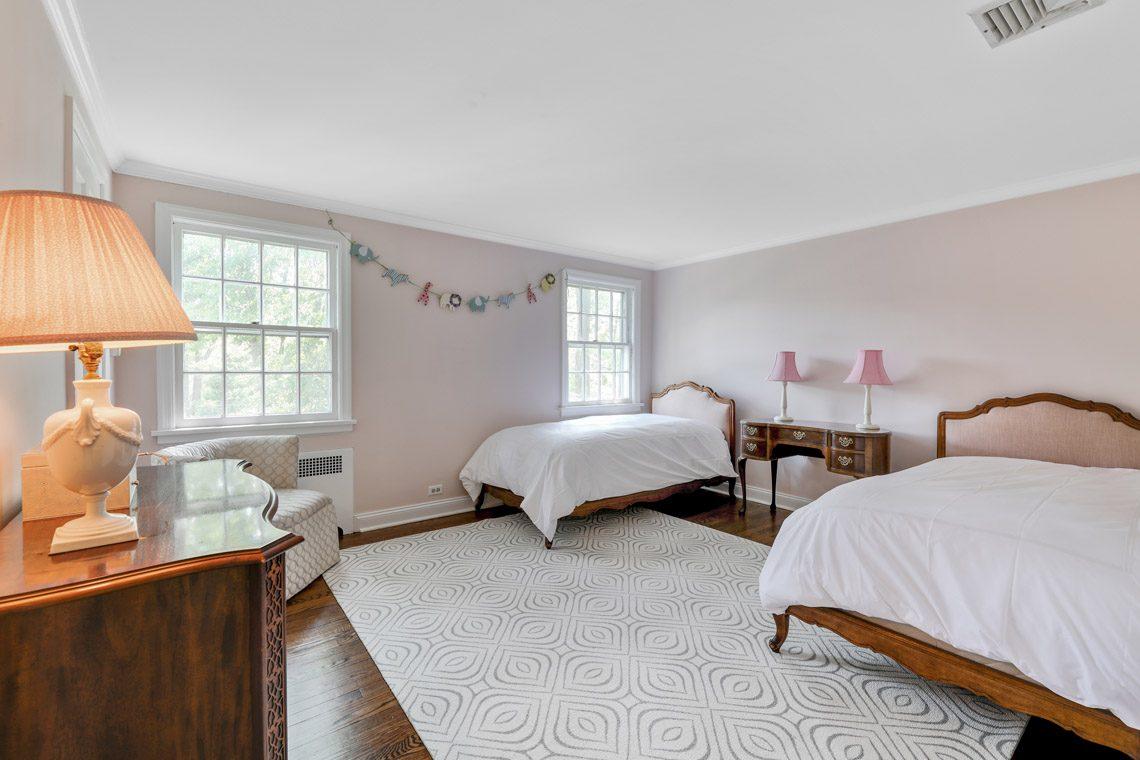 18 – 15 Park Circle – Bedroom 2