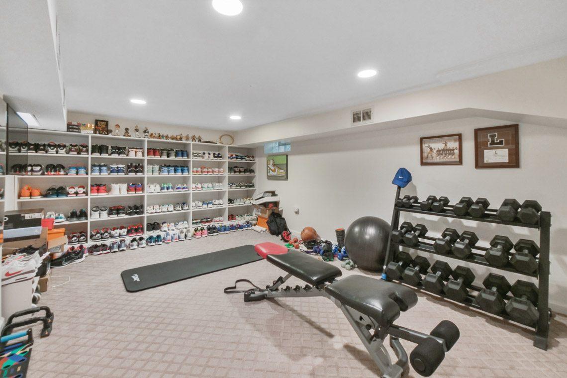 20 – 17 Farley Road – Amazing Home Gym