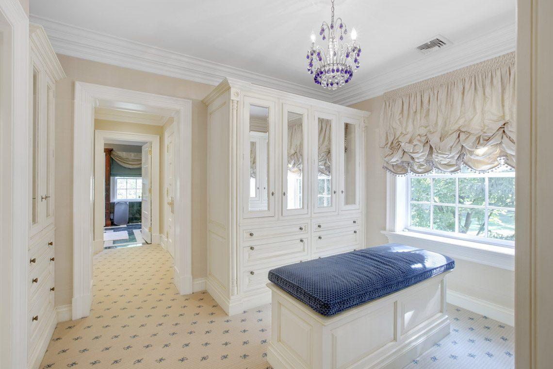 20 – 2 Jefferson Avenue – Master Dressing Room