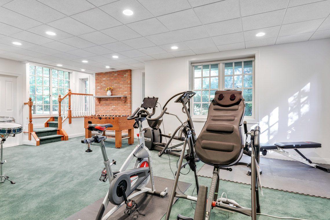 21 – 130 Fairfield Drive – Walkout Recreation Room