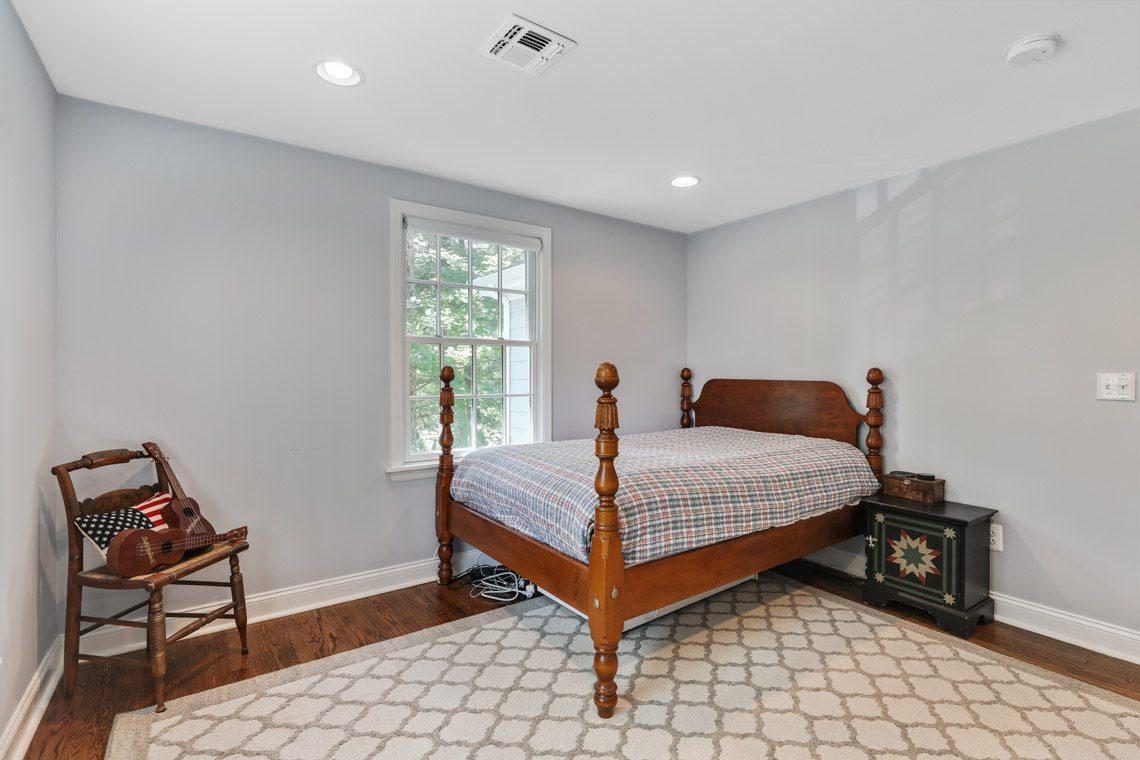 21 – 15 Park Circle – Bedroom 4