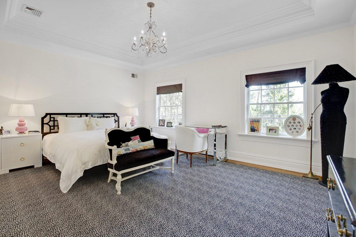 21 – 2 Jefferson Avenue – Bedroom