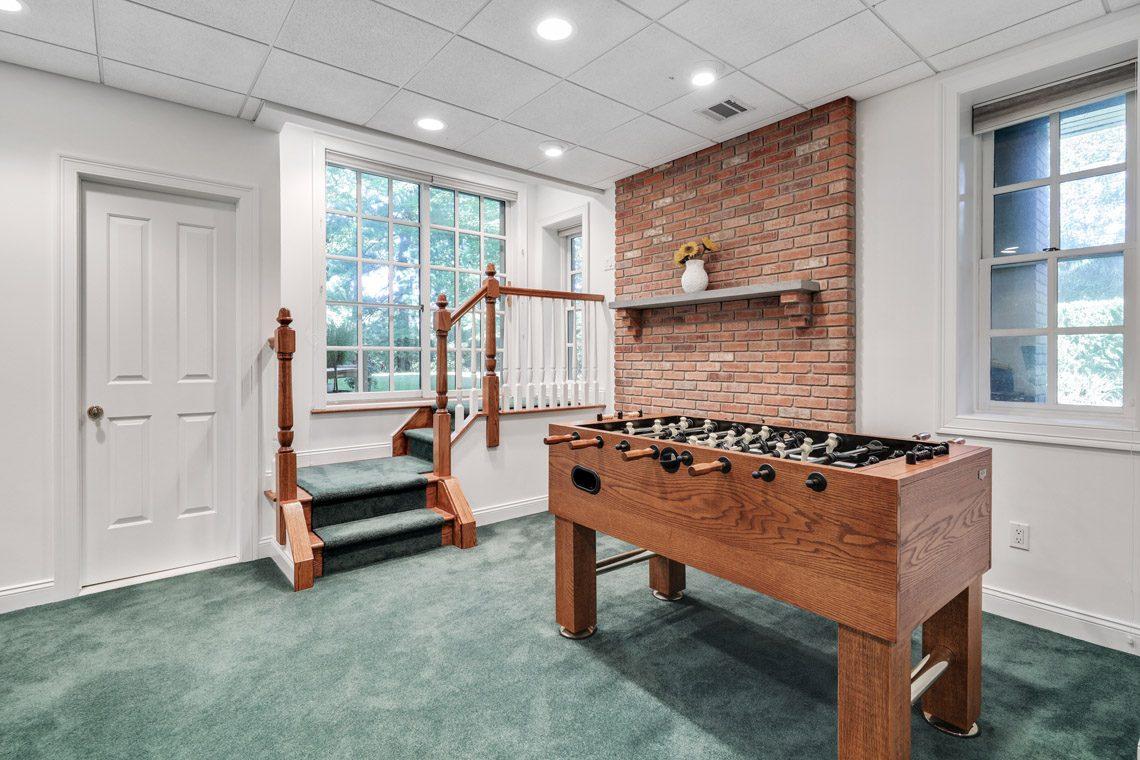 23 – 130 Fairfield Drive – Walkout Recreation Room