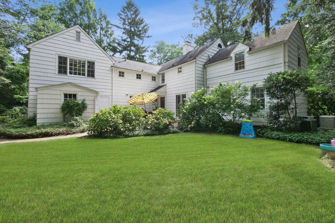 25 – 17 Farley Road – Totally Level Backyard
