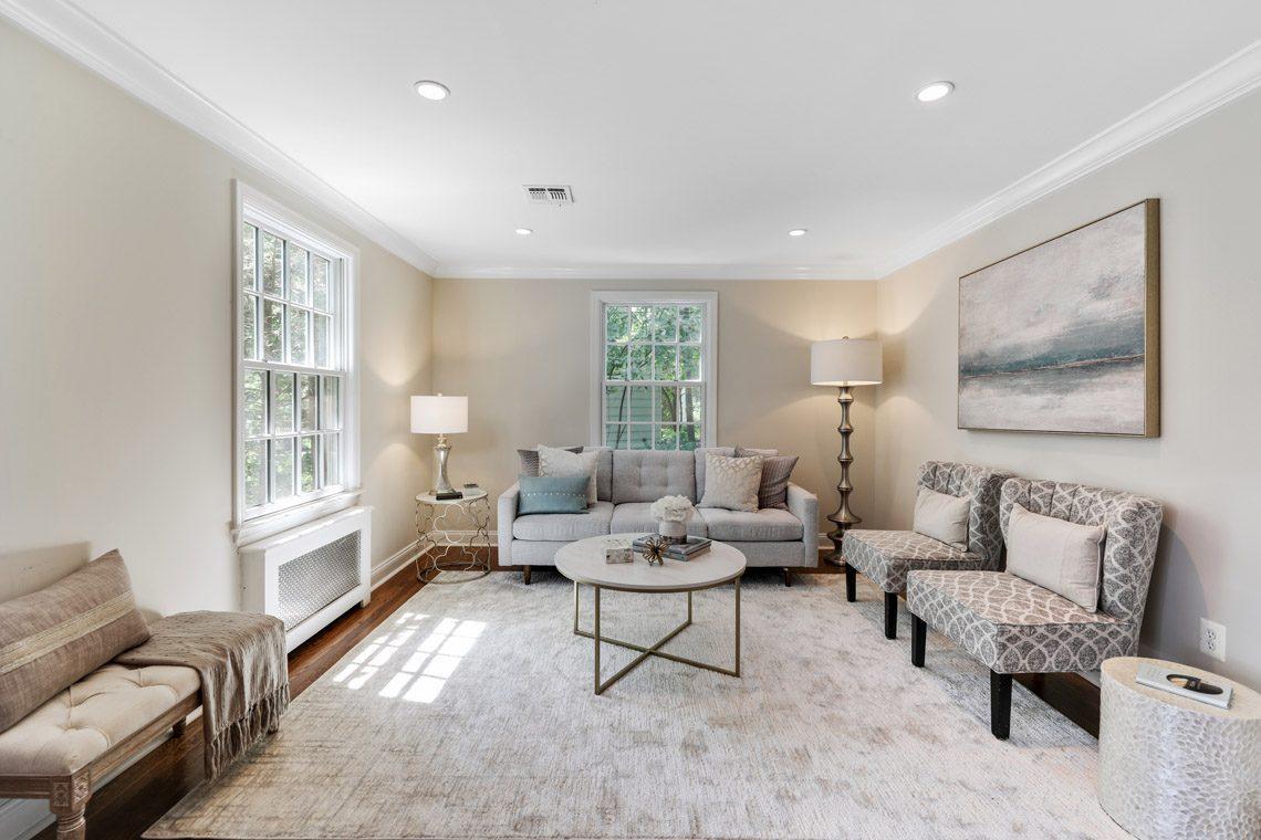 3 – 15 Park Circle – Living Room