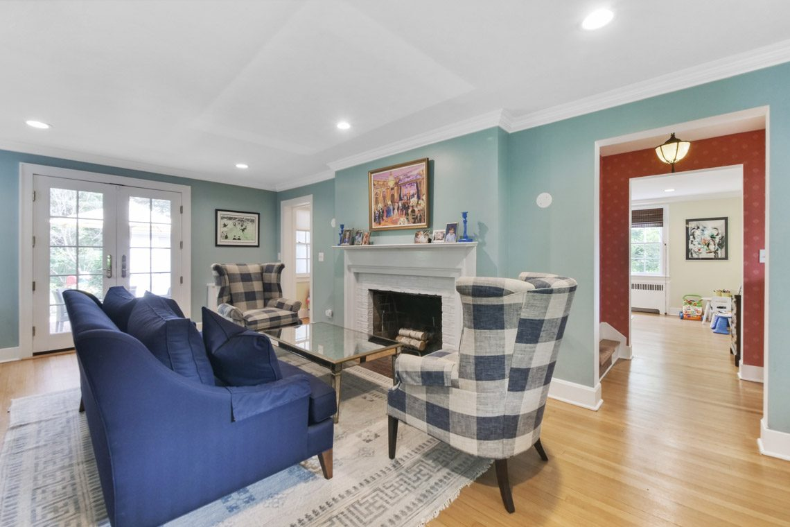 3 – 17 Farley Road – Living Room