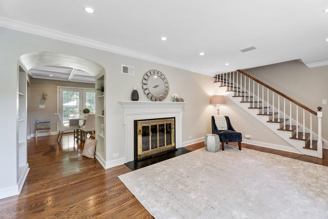 4 – 15 Park Circle – Living Room