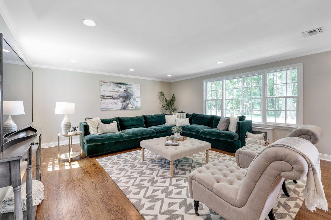 5 – 15 Park Circle – Family Room