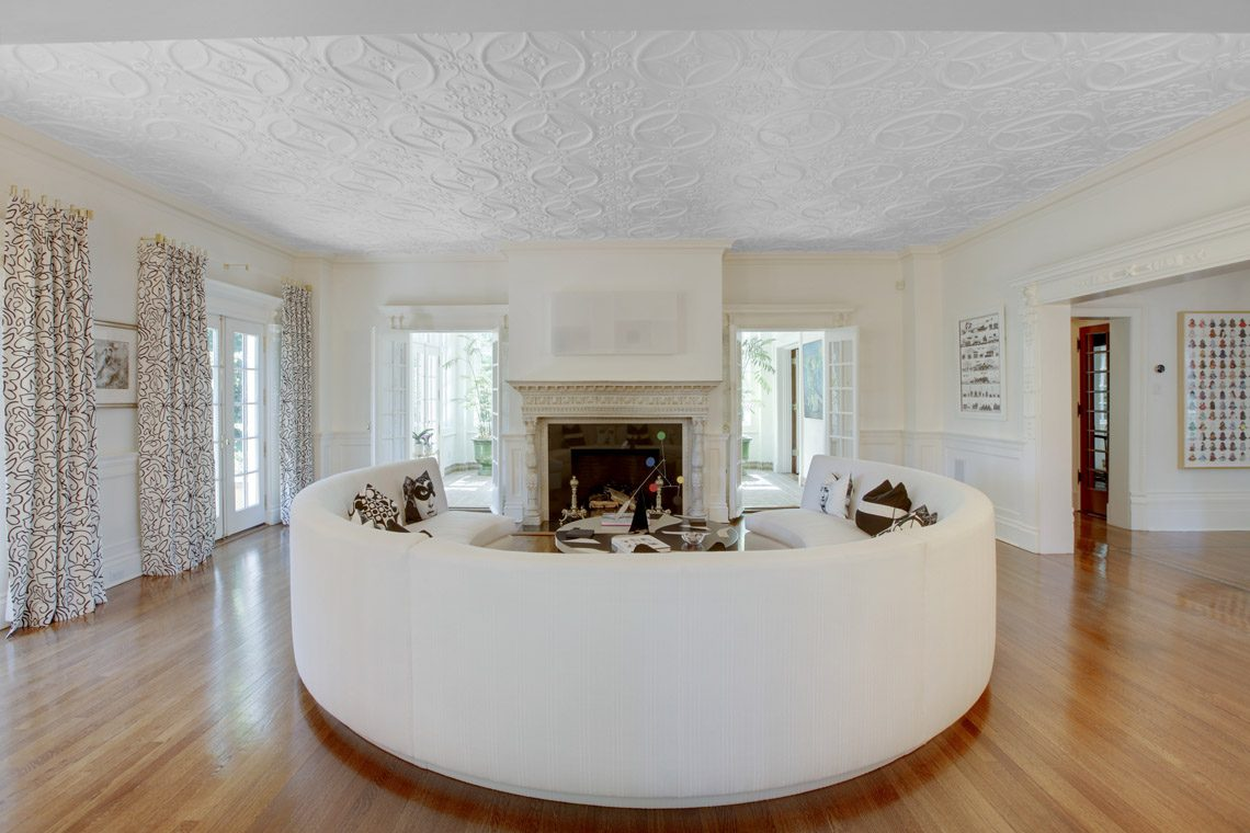6 – 2 Jefferson Avenue – Living Room