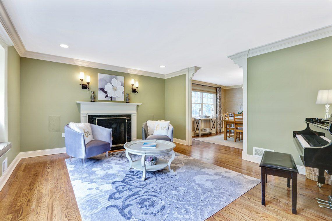15 – 2 Briarwood Drive – Living Room