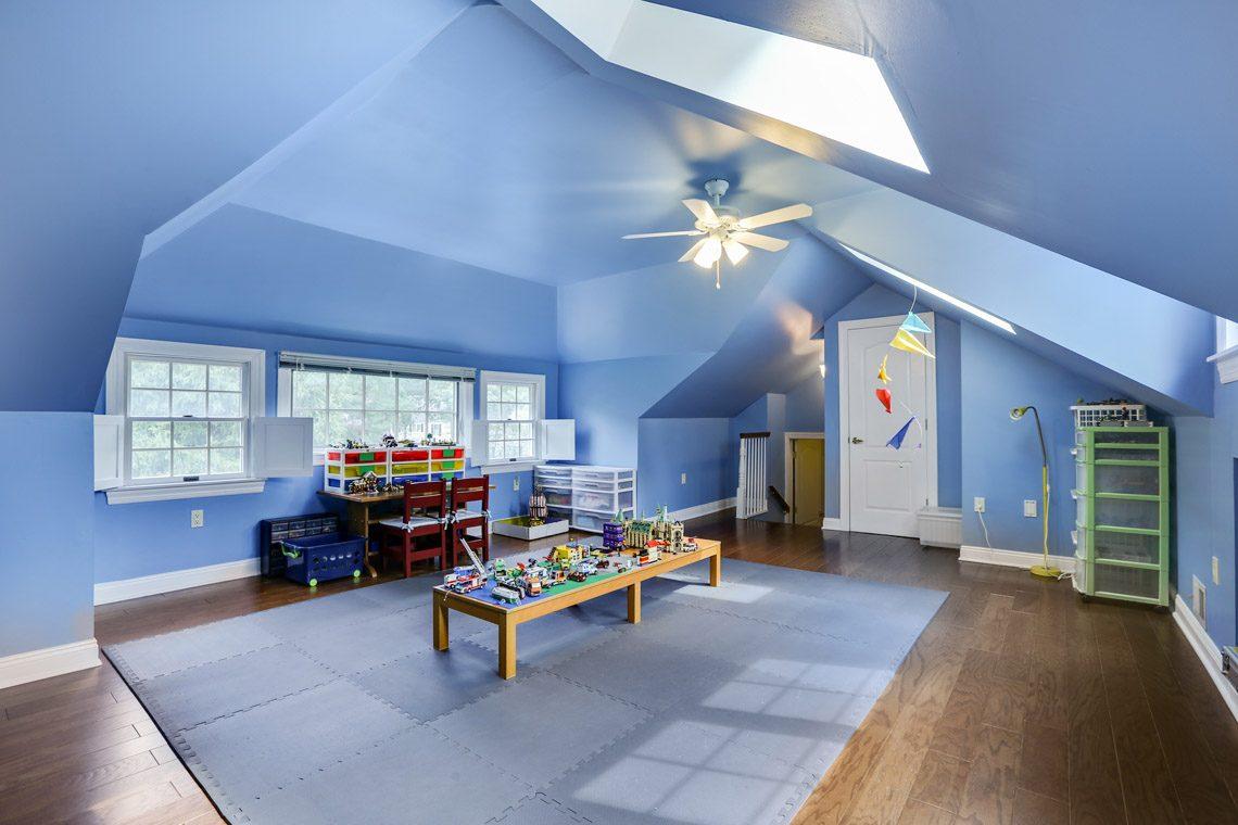 25 – 2 Briarwood Drive – Playroom