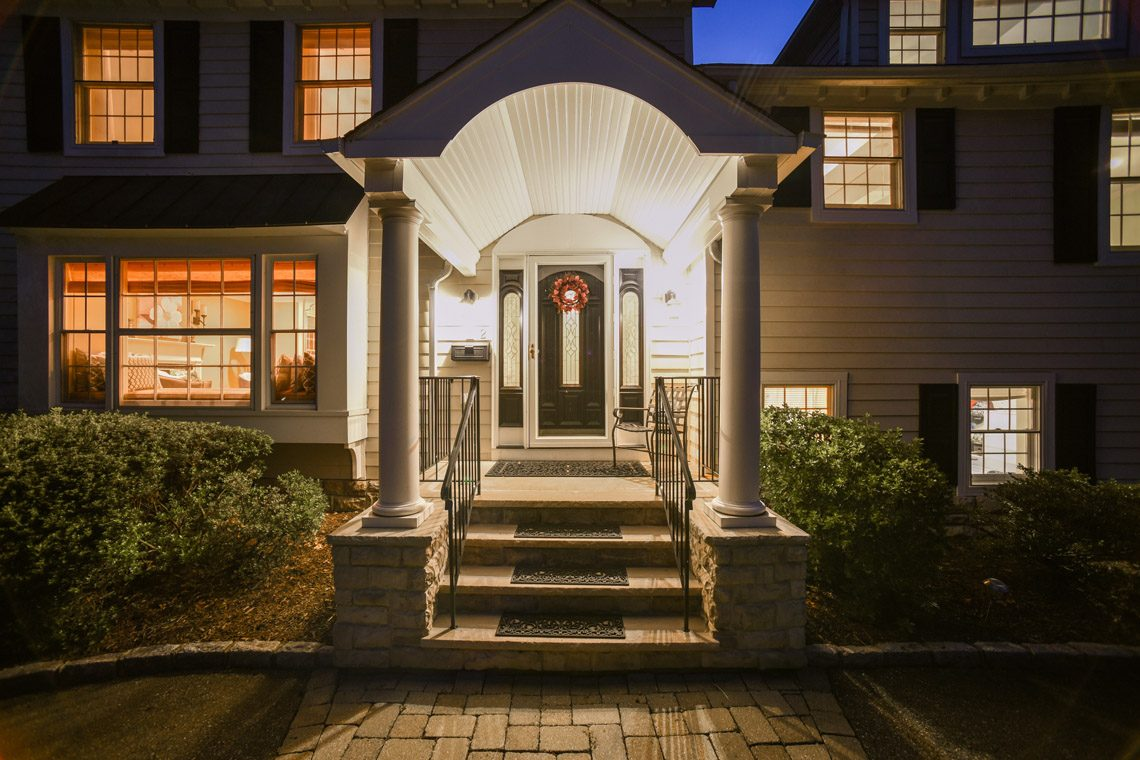 4 – 2 Briarwood Drive – Front Entry