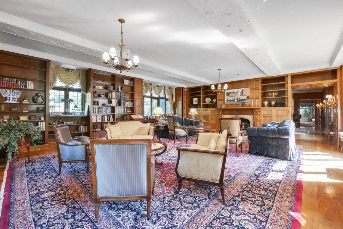 5 – 131 Rensselaer Road – Living Room