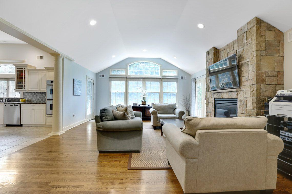6 – 2 Briarwood Drive – Family Room