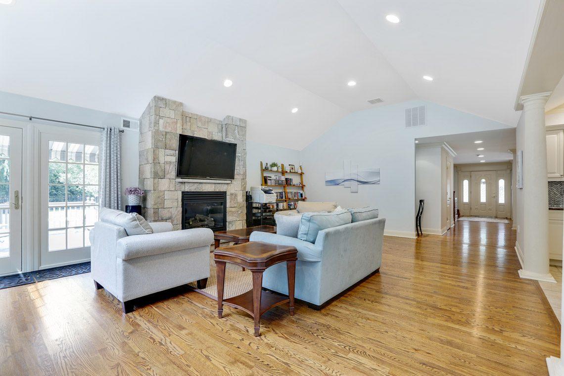 7 – 2 Briarwood Drive – Family Room