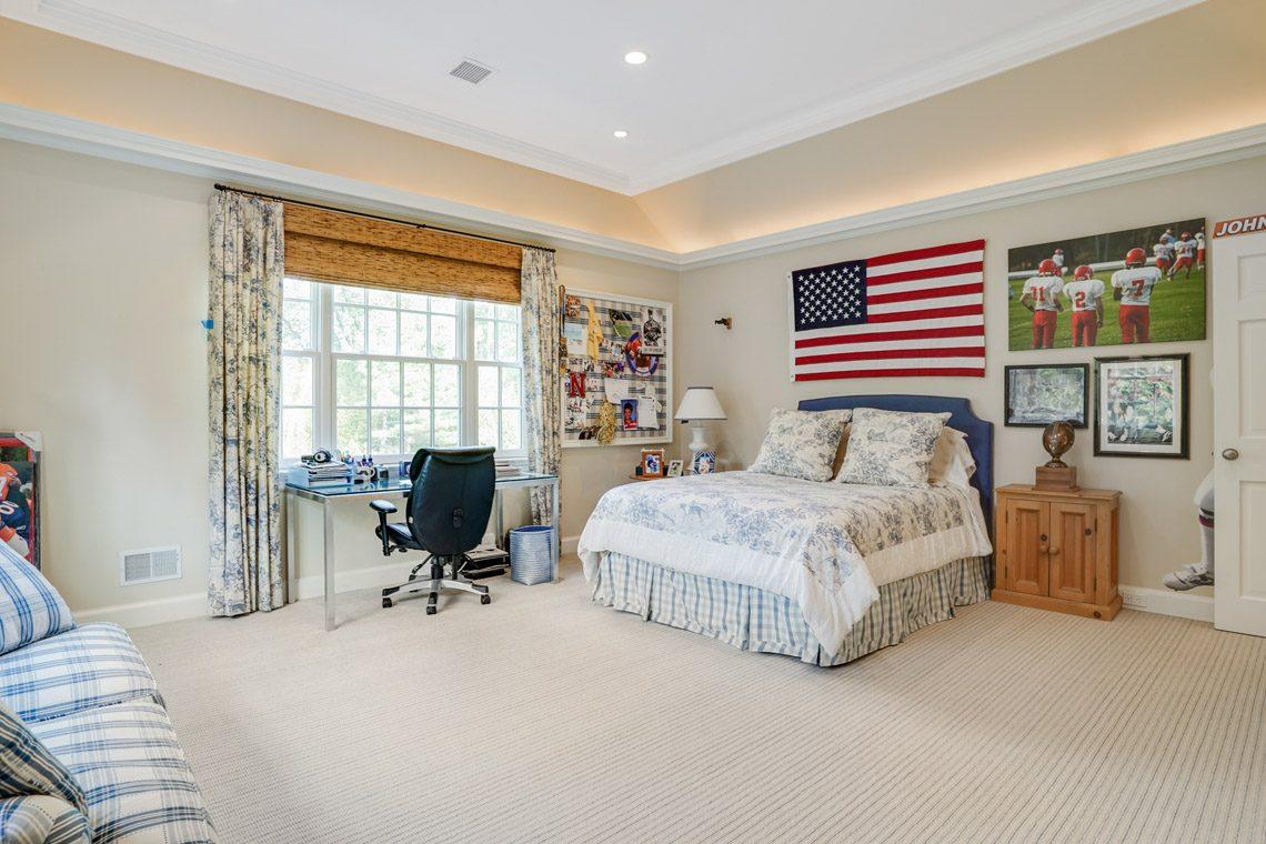 18 – 164 Highland Avenue – Bedroom