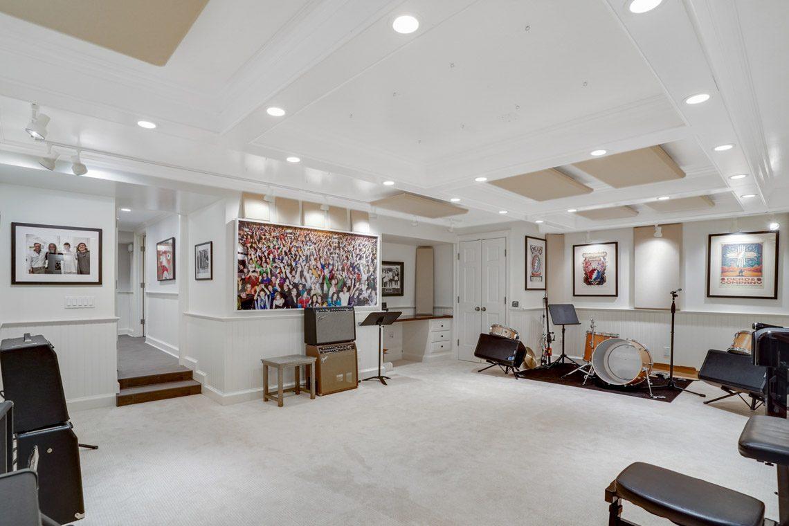 21 – 164 Highland Avenue – Music Room