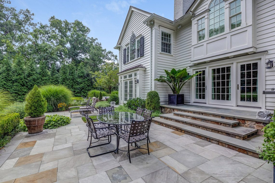 22 – 164 Highland Avenue – Stunning Property