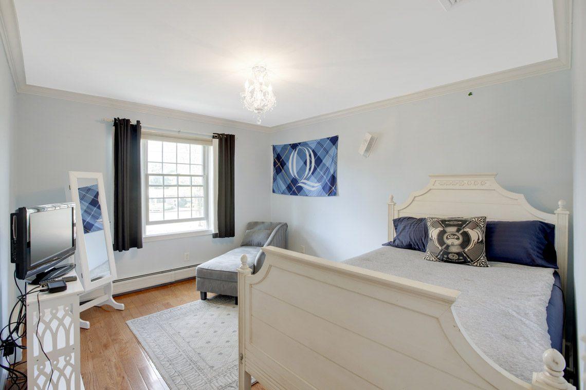 22 – 423 Hartshorn Drive – Bedroom