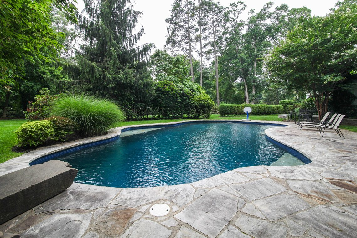 24 – 50 Coniston Road – Stunning Pool