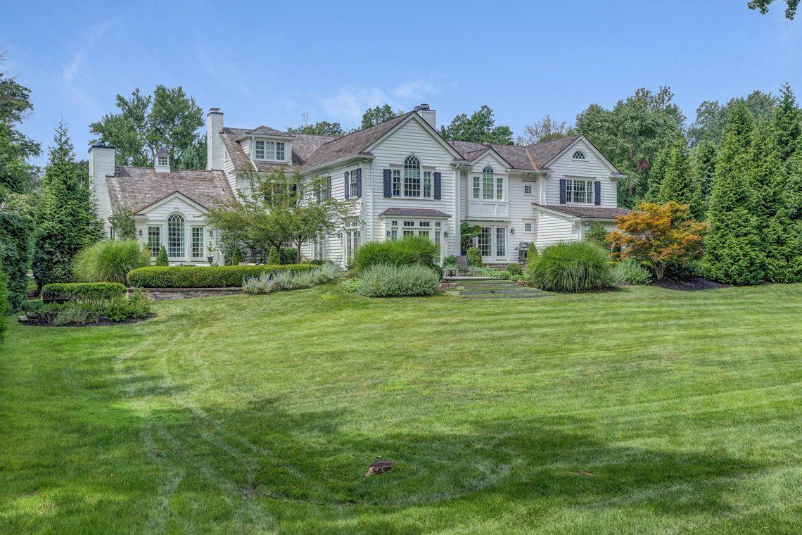 25 – 164 Highland Avenue – Stunning Property