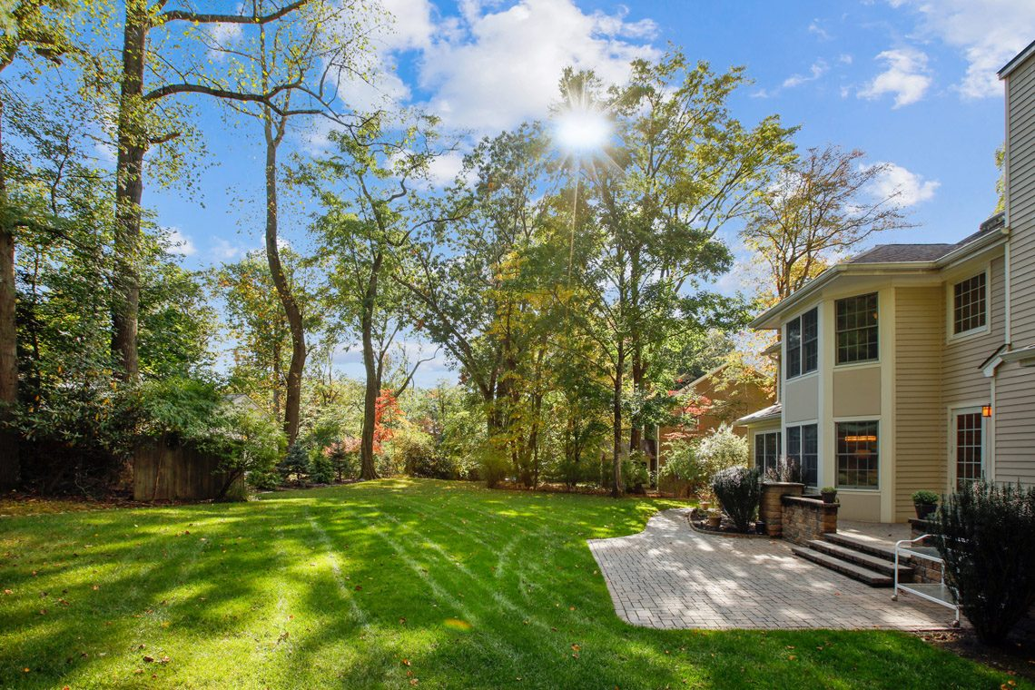 3 – 423 Hartshorn Drive – Level Backyard