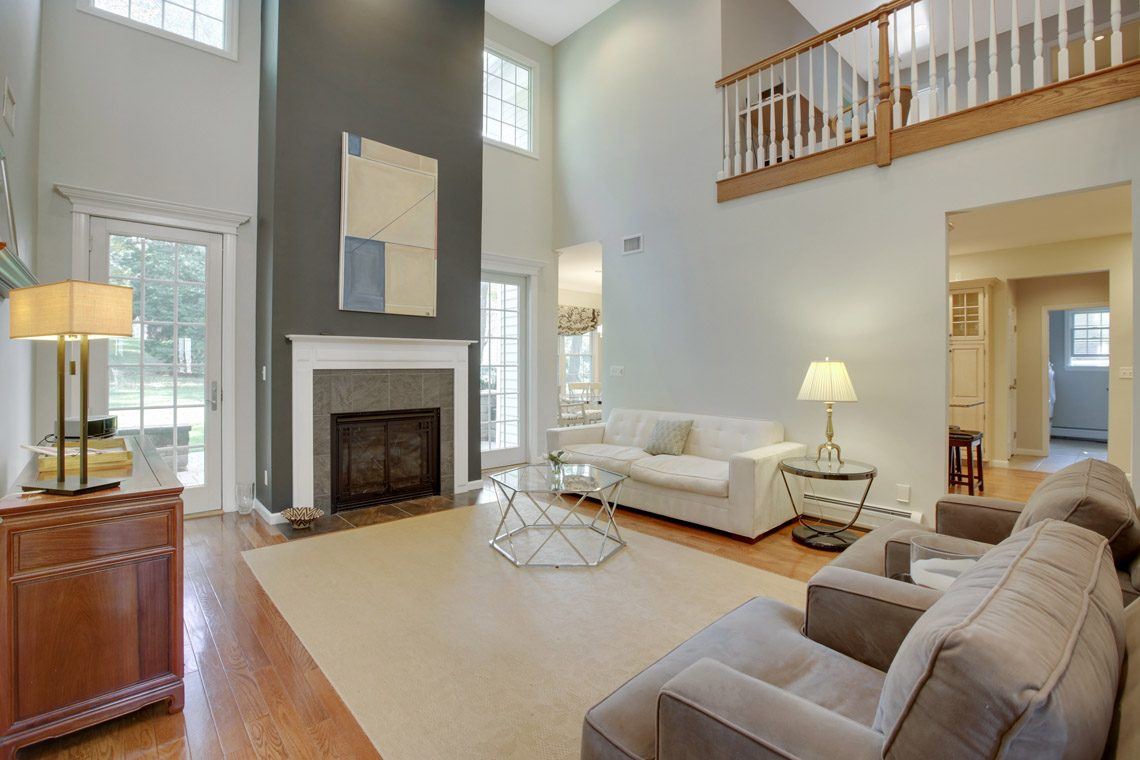 4 – 423 Hartshorn Drive – Great Room