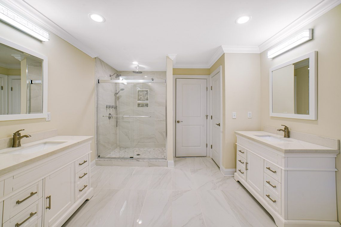 18 – 14 Chestnut Road – Spa-like Master Bath