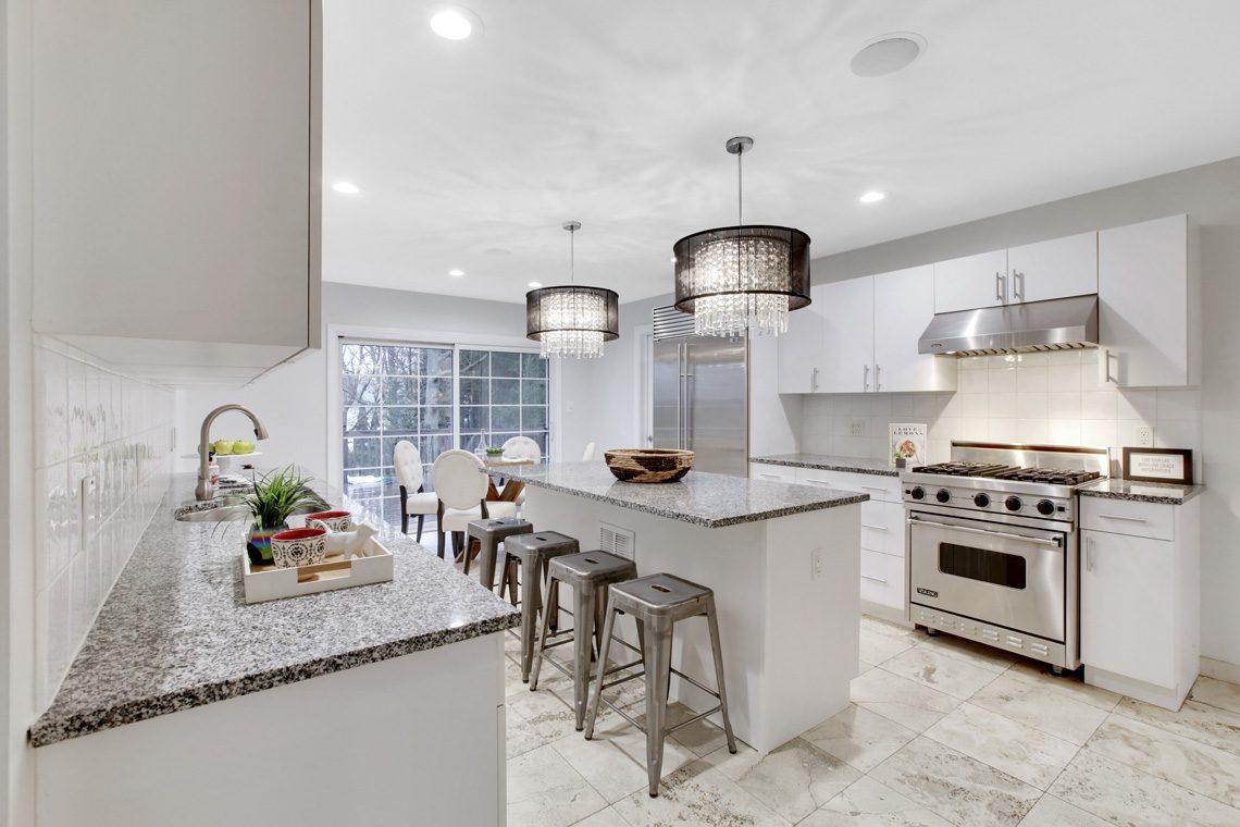 6 – 33 Kean Road – Gourmet Eat-in Kitchen